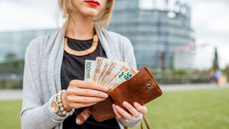 Meer vrouwen hebben voldoende inkomen voor levensonderhoud