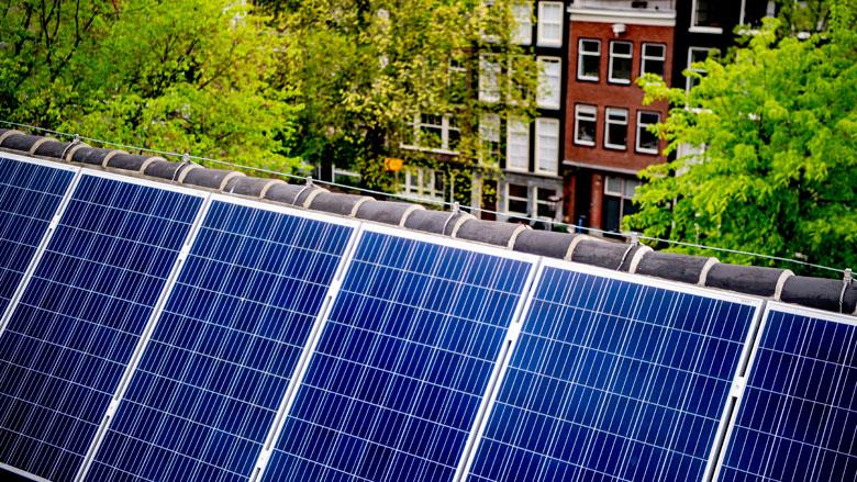 Mogelijk minimumprijs voor met zonnepanelen opgewekte stroom