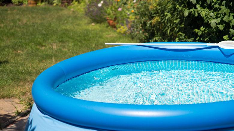 'Gebruik drinkwater zo min mogelijk voor zwembad en sproeien tuin'