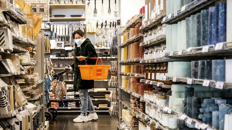 Medewerkers begeleiden klanten in tien minuten door winkel