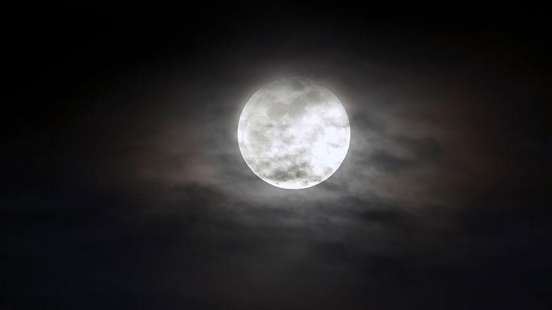 Heeft de volle maan invloed op jouw slaap?