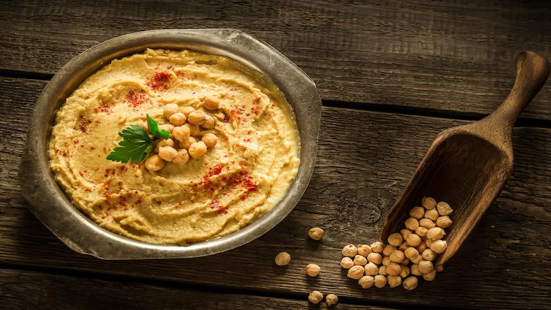 Hummus uit supermarkt ongezonder dan echte: 'Grote onderlinge verschillen'