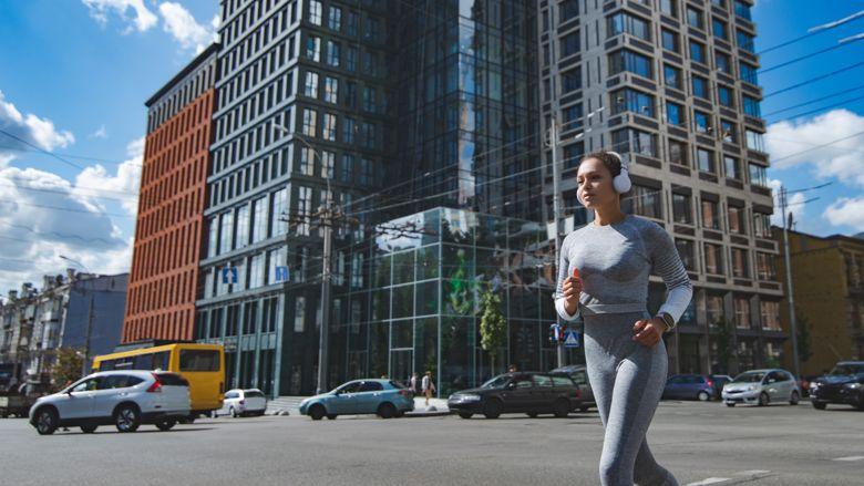 Grote hoeveelheid fijnstof in de stad: kun je nog wel buiten sporten?