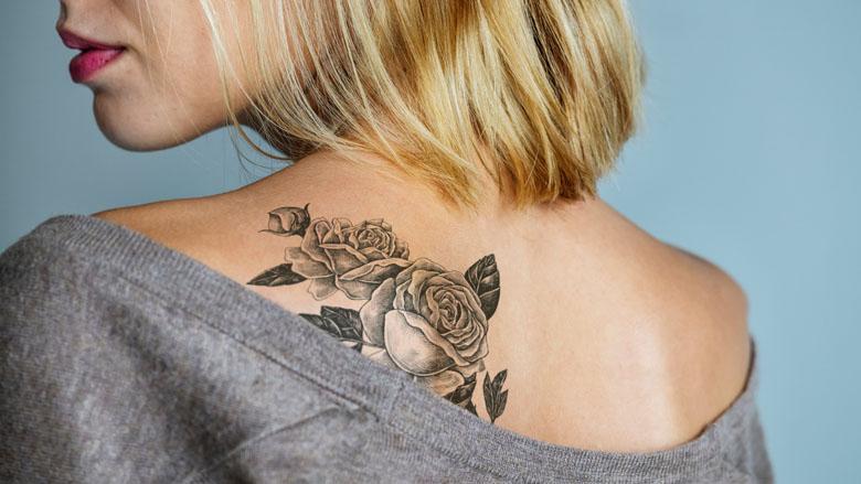 Uitsluiting om je tatoeage: 85% heeft (stiekem) vooroordelen