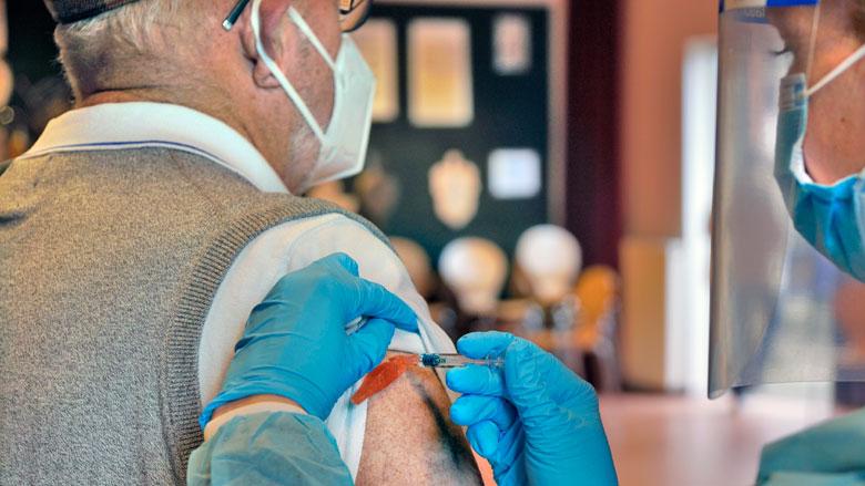 'Nederlanders willen beloning voor vaccinatie'
